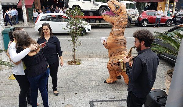 O Novo Espaço da Think English e o Dinossauro